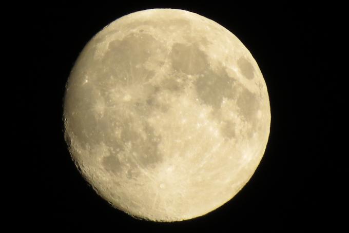 moon-1280